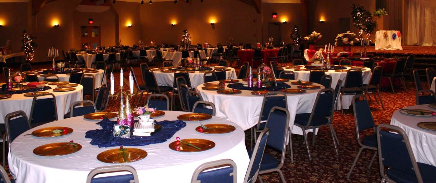 The Crescent Room is large enough to accommodate all of your guests in one room